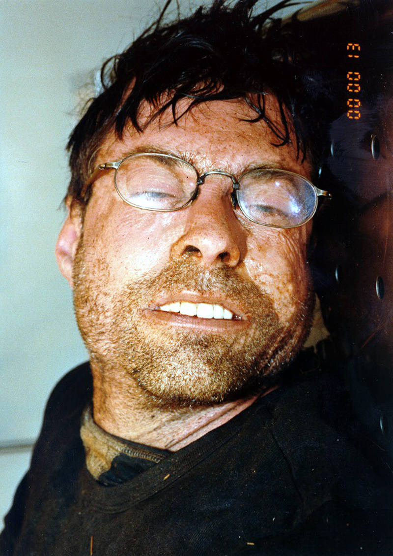 In this Dec. 11, 2015 photo provided by the O.P.P., authorities are hoping the public may have some tips in identifying this man found dead on a ski trail near Deep River, Ont. on Sept. 5, 2001. (O.P.P. via Newswatch Group)